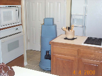 Bot in Kitchen01.jpg